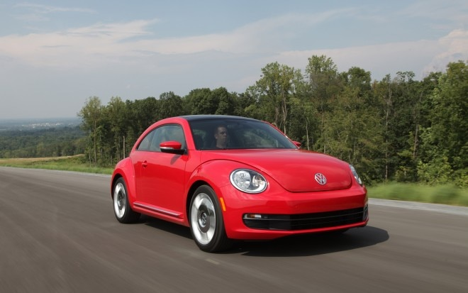 2012 Volkswagen Beetle Turbo Front Right View 31 660x413