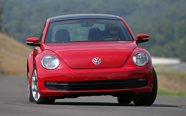2012 volkswagen beetle turbo editors 39 notebook automobile magazine. Black Bedroom Furniture Sets. Home Design Ideas