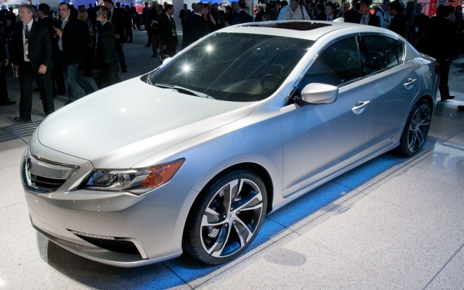 2013 Acura ILX Concept Front Three Quarters View1 660x413