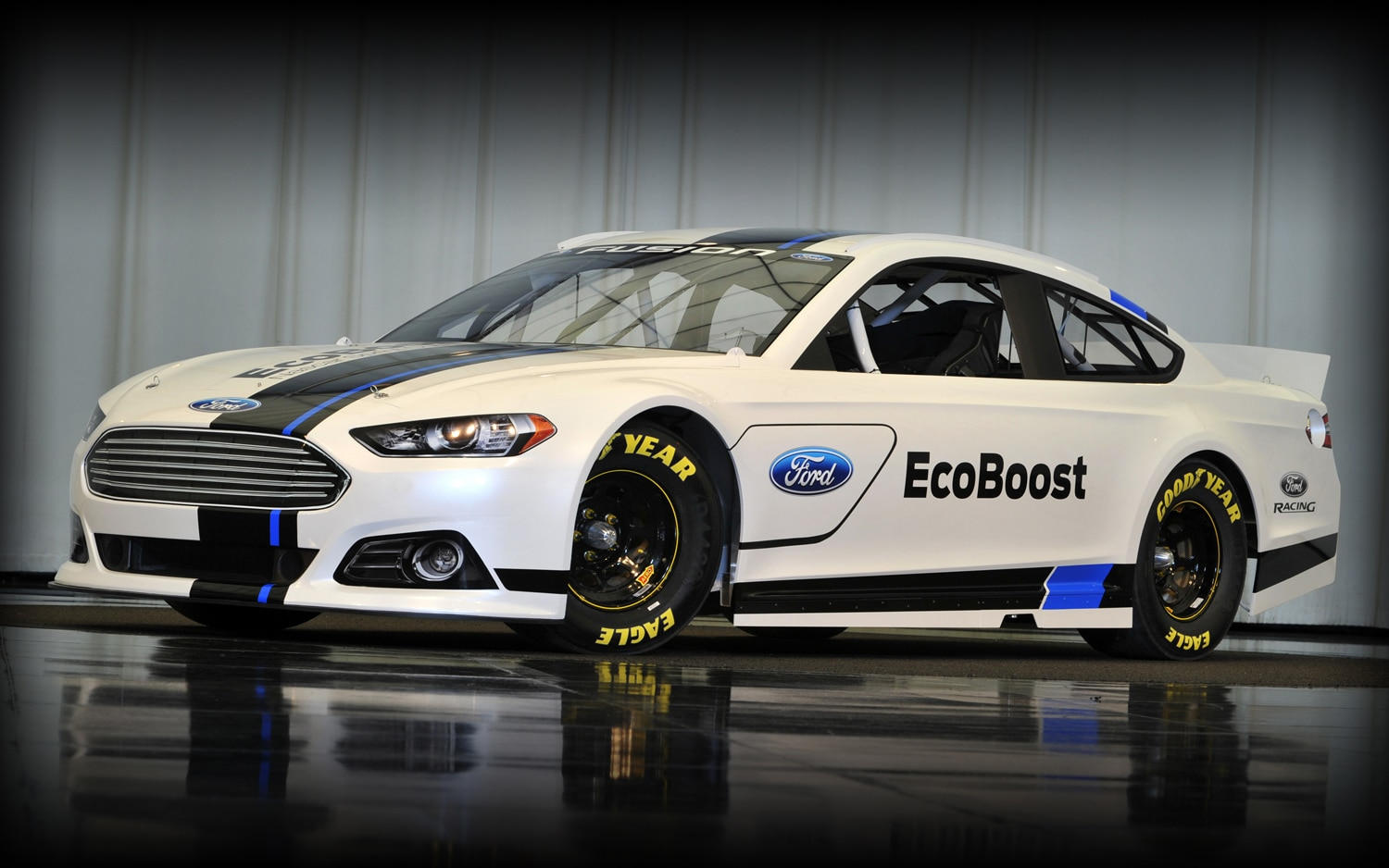 2013 Ford Fusion Sprint Cup Race Car Front Three Quarter1