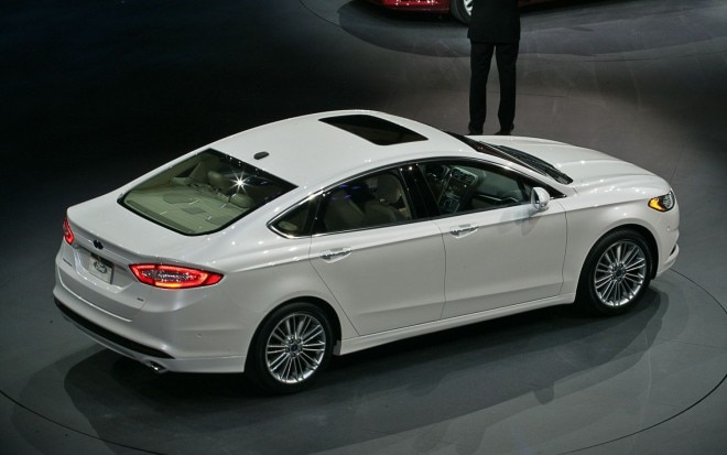 2013 Ford Fusion Rear Three Quarter1 660x413