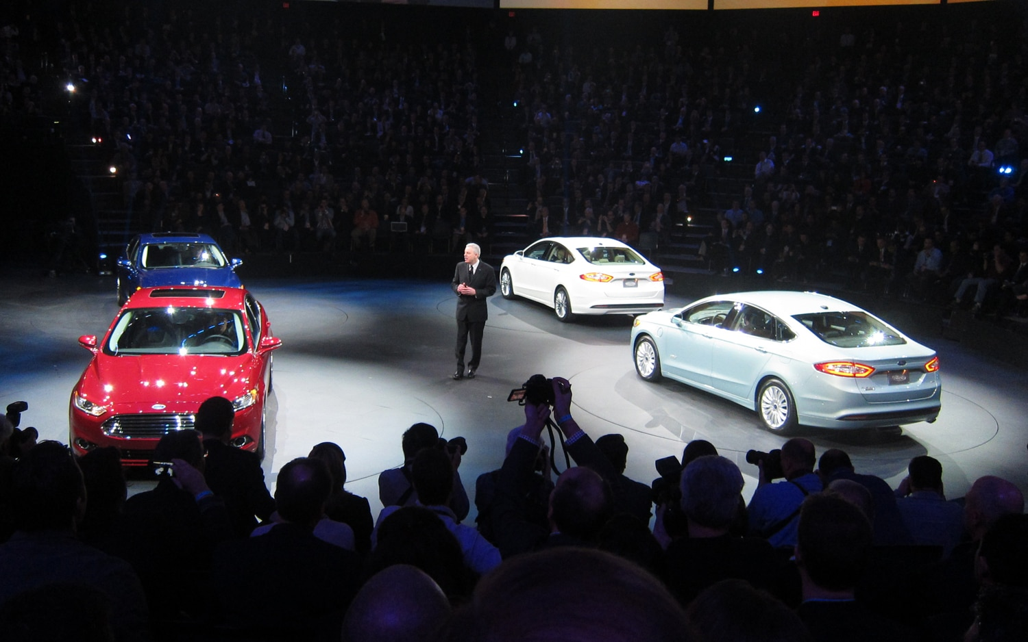 2013 Ford Fusion Reveal 21