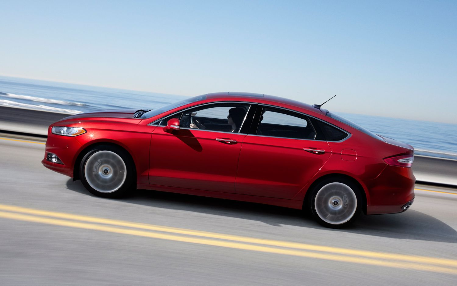 2013 Ford Fusion Side In Motion 31