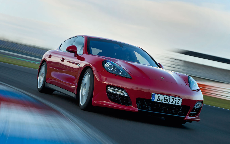 2013 Porsche Panamera GTS Right Front Track1