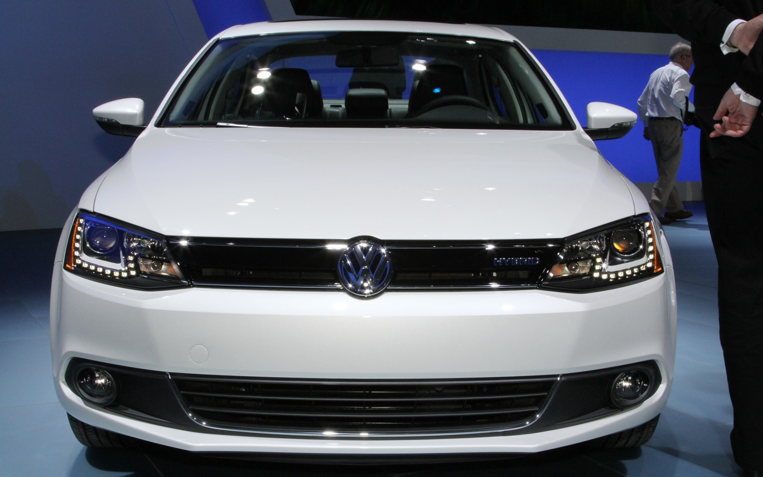 first look 2013 volkswagen jetta hybrid 2012 detroit. Black Bedroom Furniture Sets. Home Design Ideas