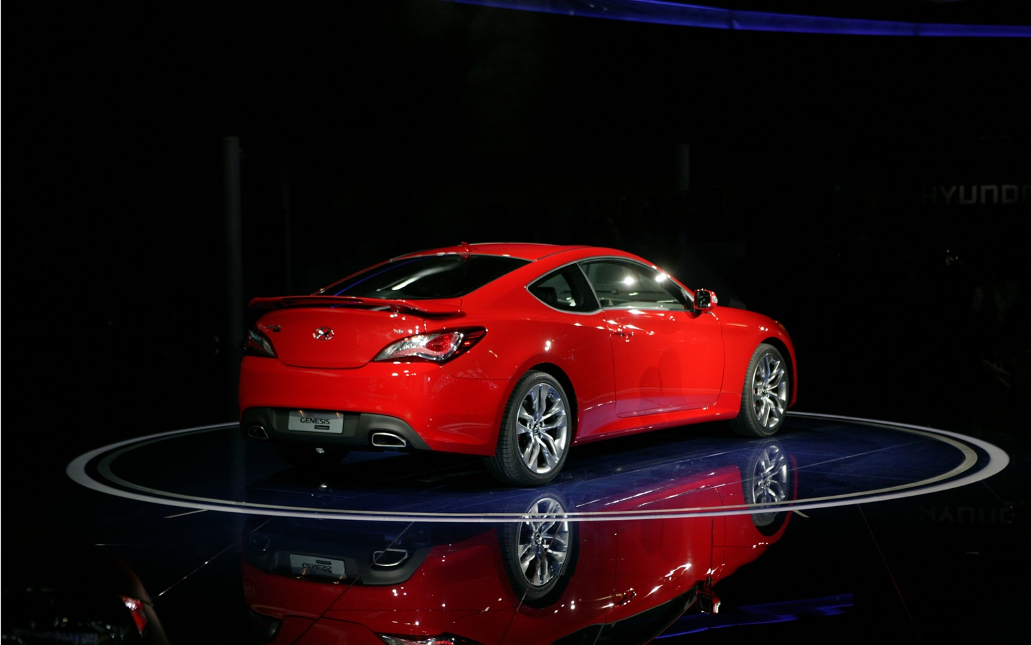 first look 2013 hyundai genesis coupe automobile magazine. Black Bedroom Furniture Sets. Home Design Ideas