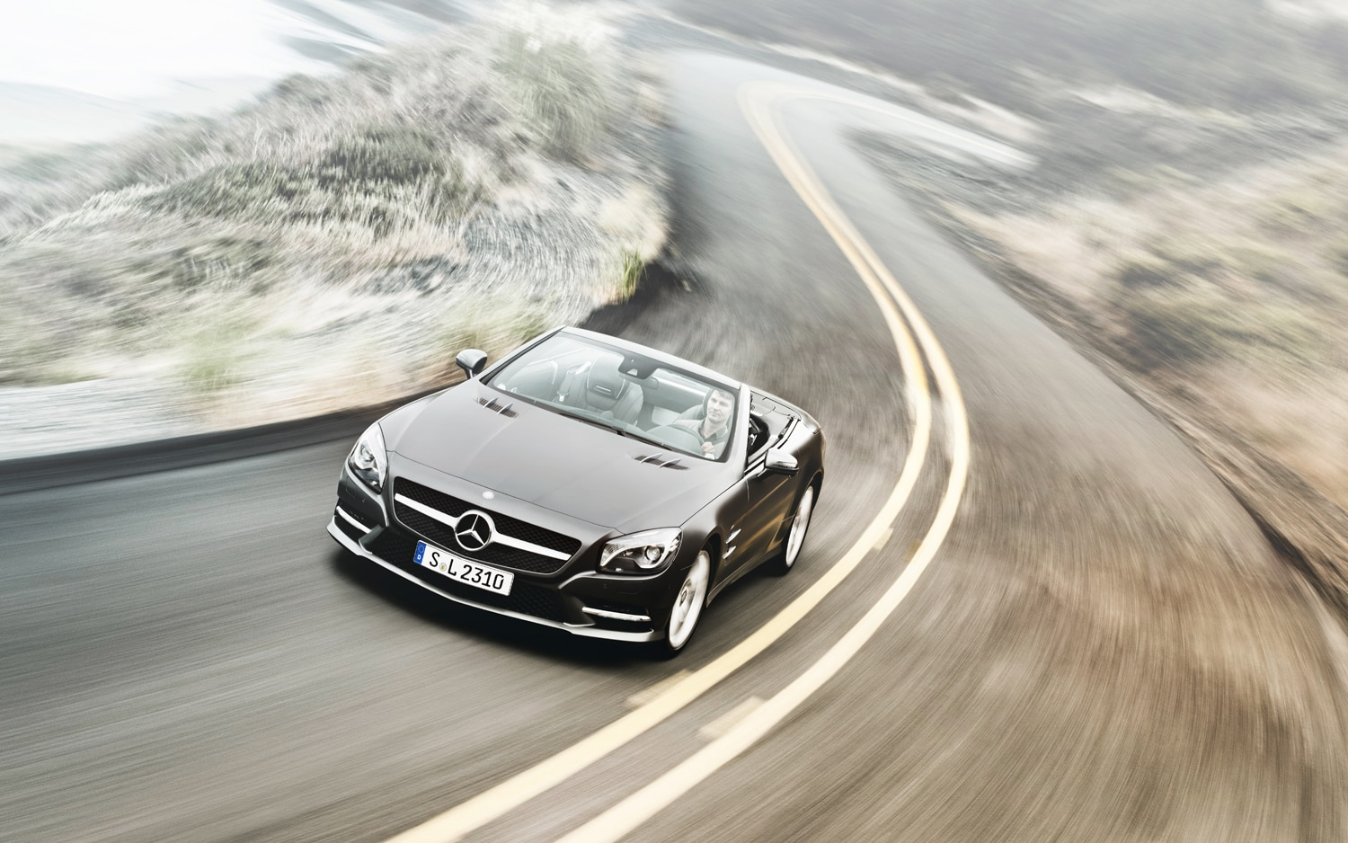 2013 Mercedes Benz SL Front Left View
