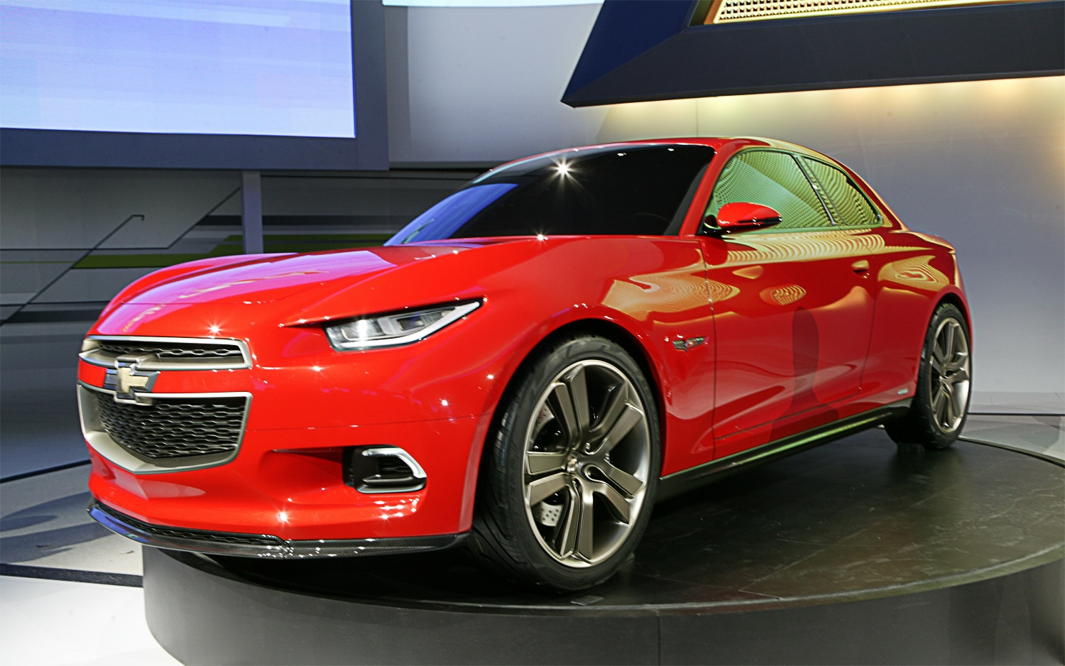Chevrolet Code 130R Concept Front Three Quarter 21
