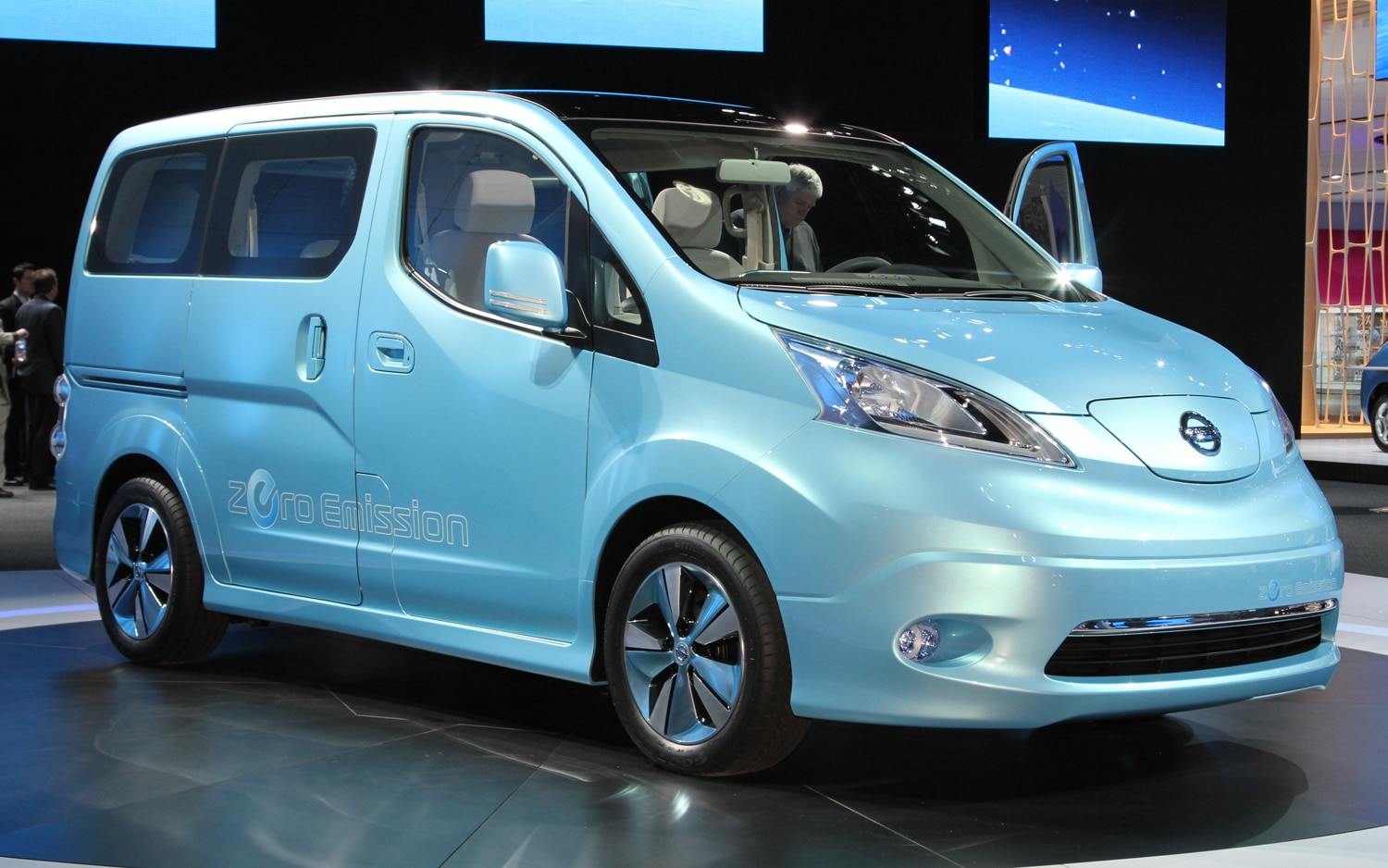 Nissan NV200EV Concept Front Three Quarters View1