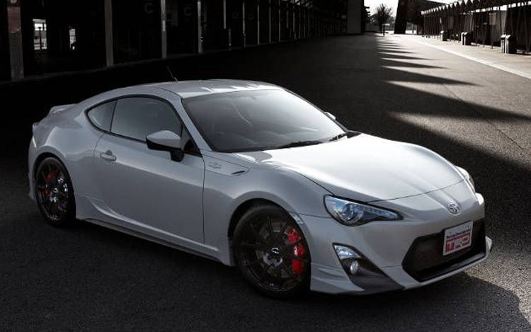 Toyota GT 86 Front Three Quarter1