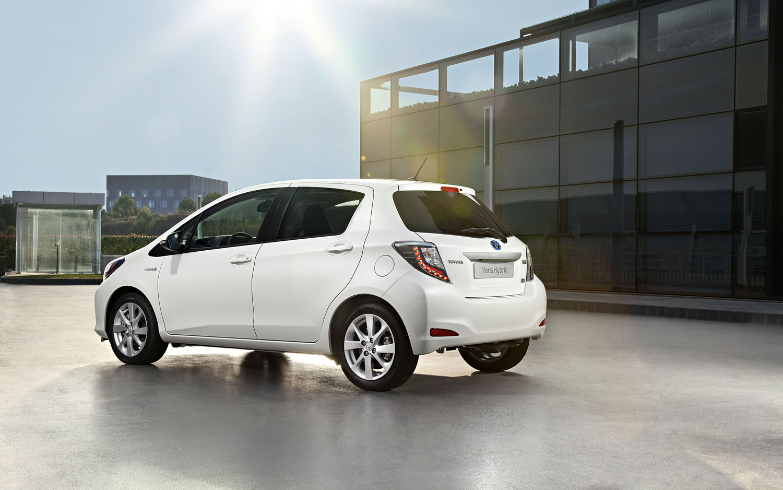 Toyota Yaris Hybrid Euro Spec Rear Three Quarter1