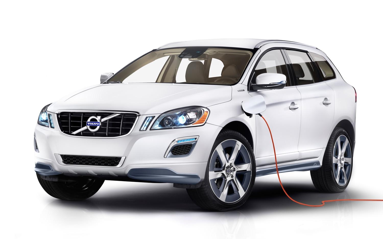 Volvo XC60 Plug In Hybrid Concept Front Three Quarter1