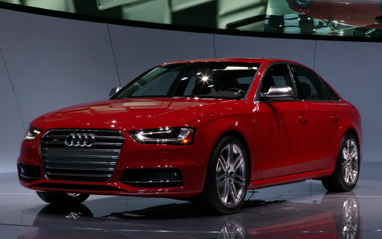 Audi S4 Front Left View1
