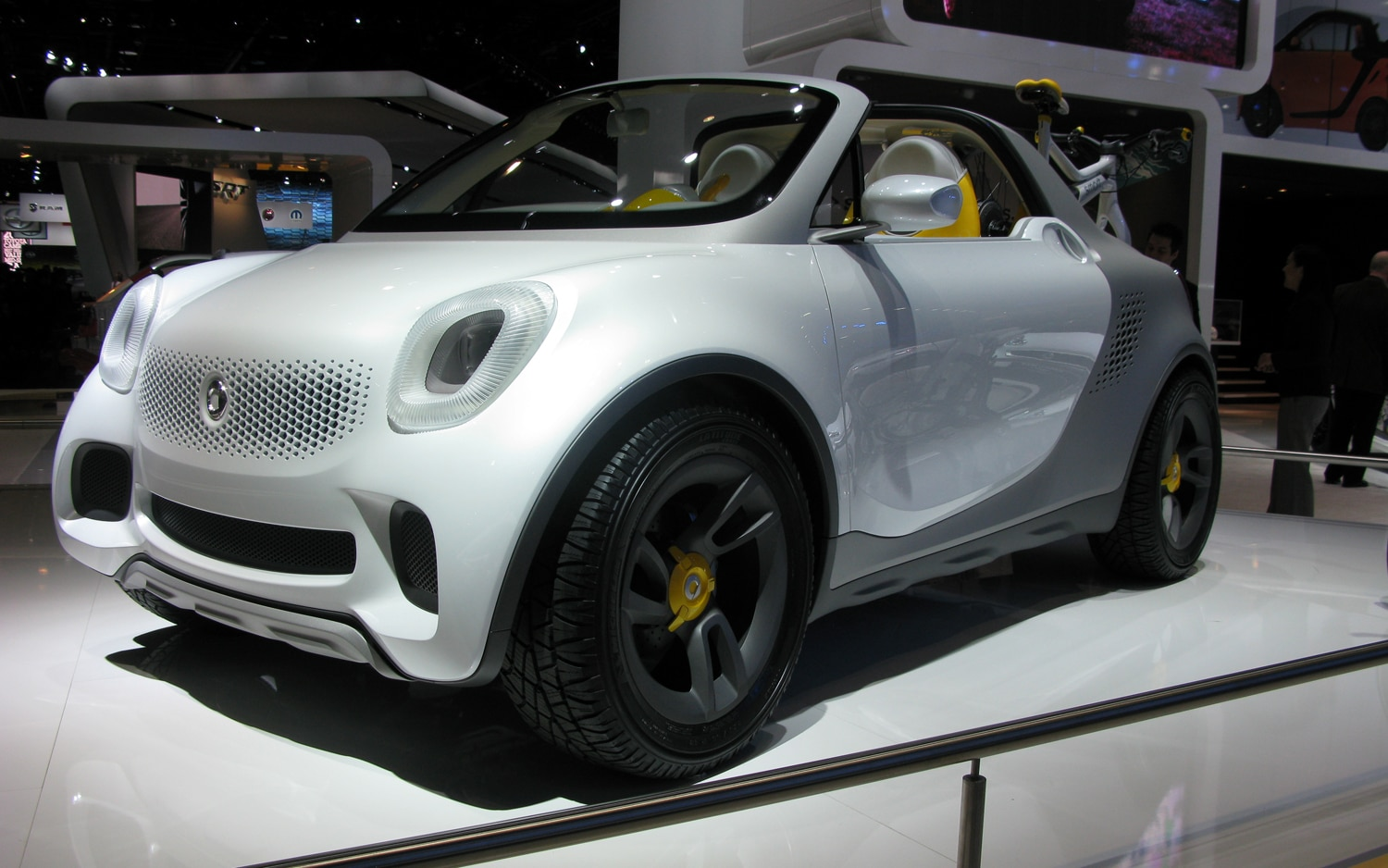 Smart For Us Concept Front Left View1