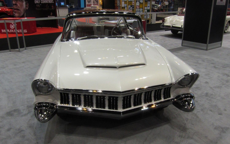 1954 Mercury XM 800 Concept Front View1