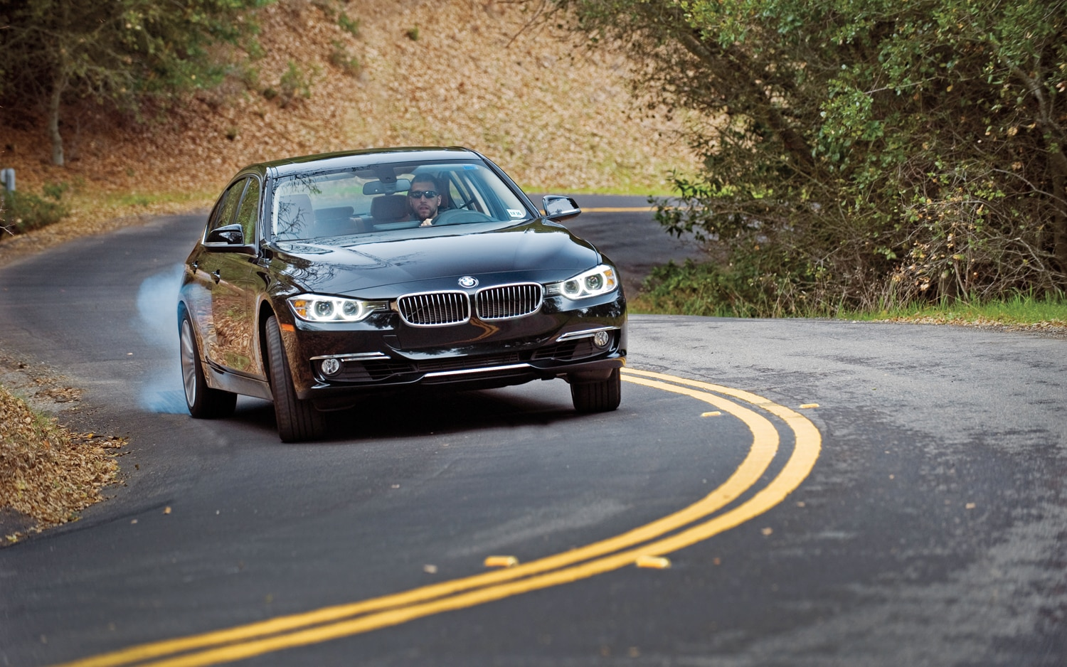 2012 BMW 328i Front View1