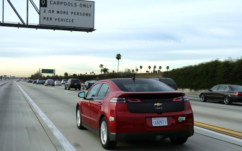 2012 Chevrolet Volt HOV Lane 11
