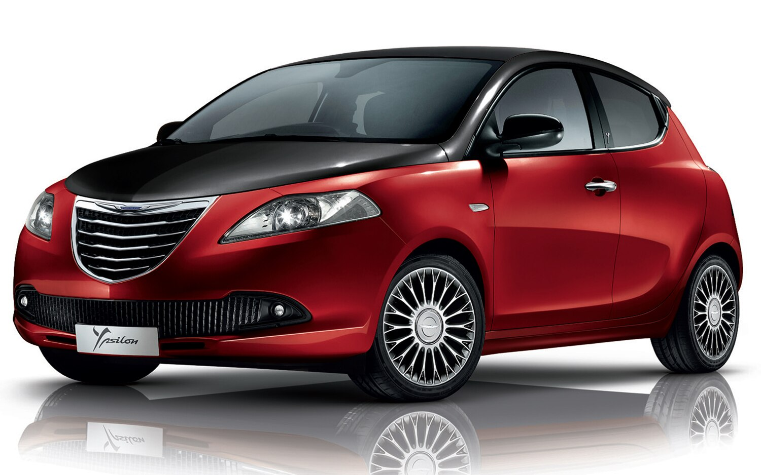 2012 Chrysler Ypsilon Red Black Front Three Quarter