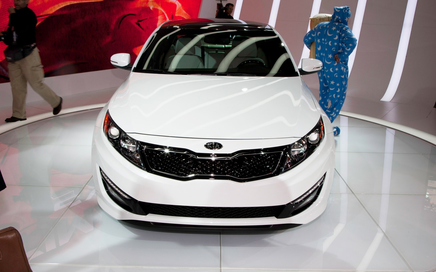 2012 Kia Optima Limited First Look 2012 Chicago Auto