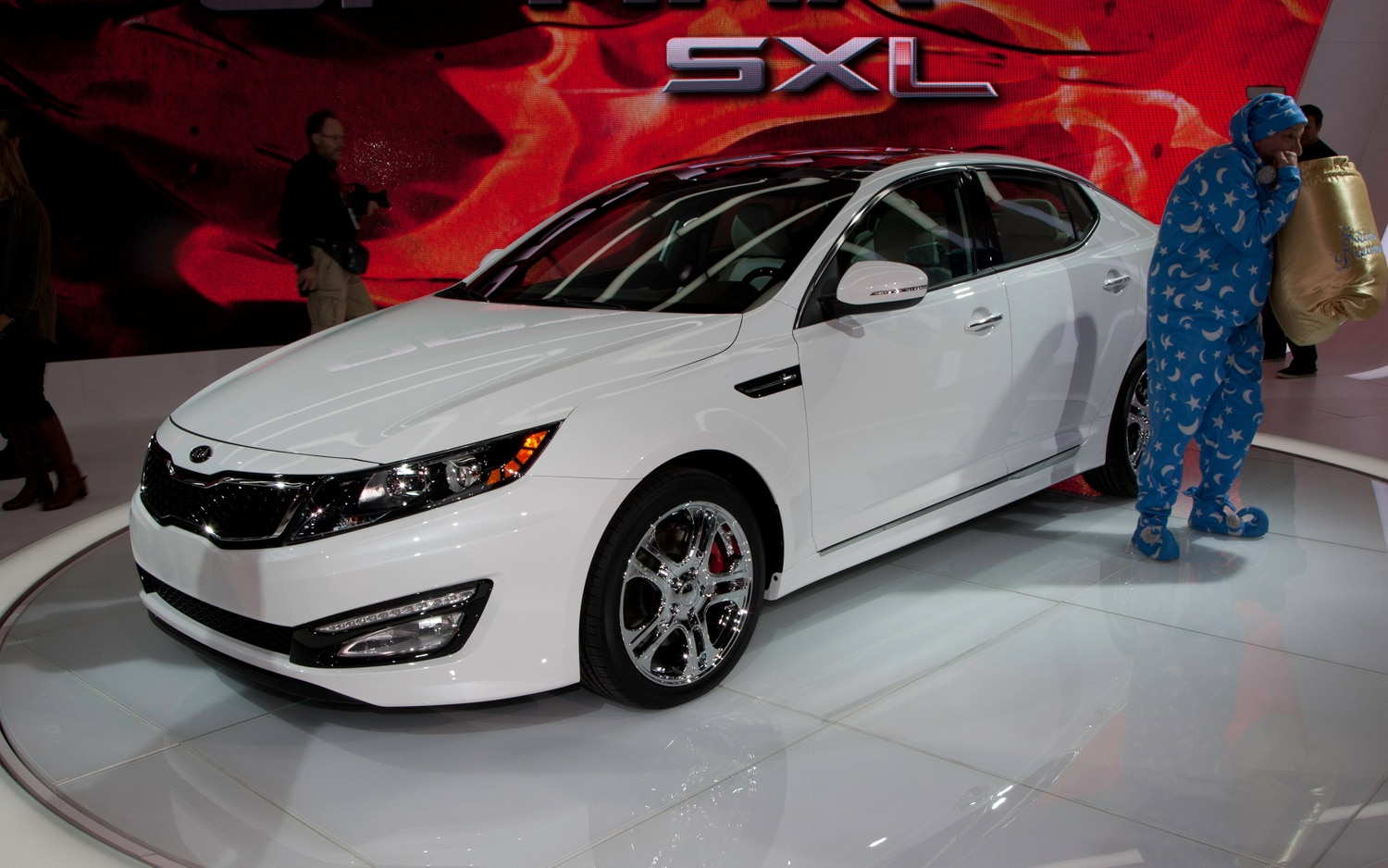 2012 Kia Optima Limited Front1