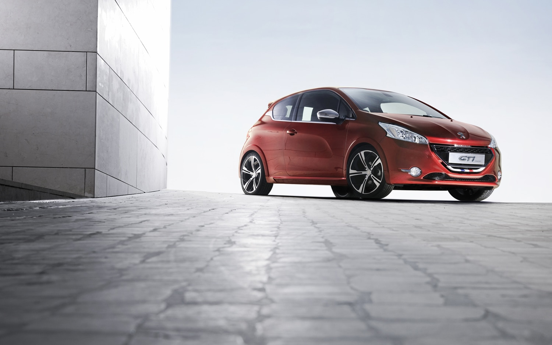 2012 Peugeot 208 GTi Concept Front Three Quarter1