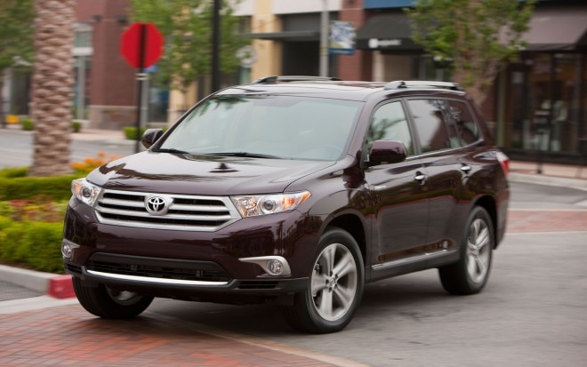 2012 Toyota Highlander Front Three In Motion1 660x413