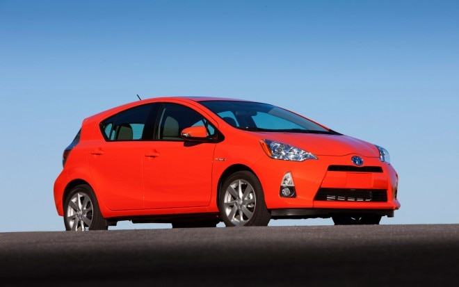 2012 Toyota Prius C Front Right Side View 21 660x413