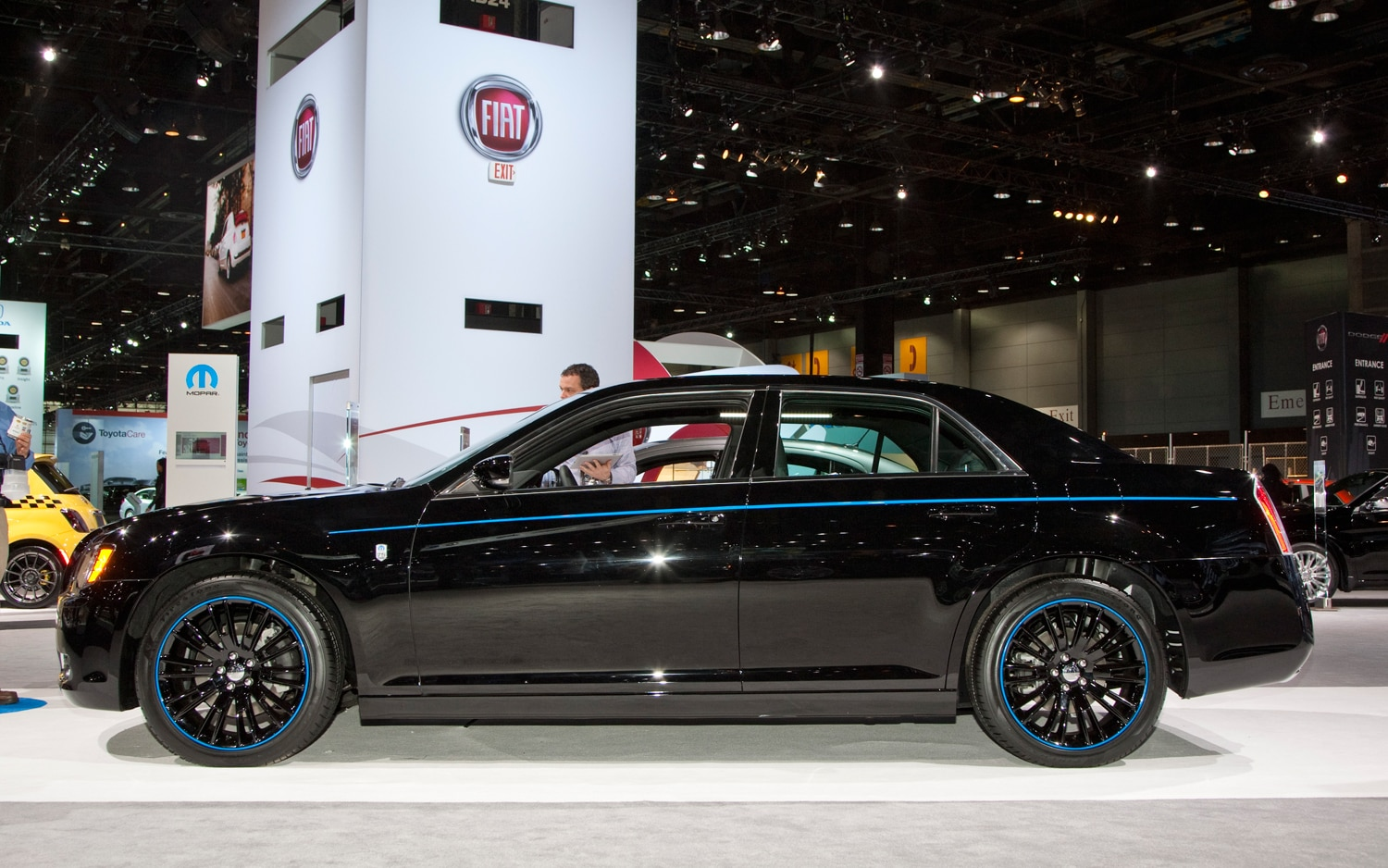 2012 Chrysler 300 Left Side View1