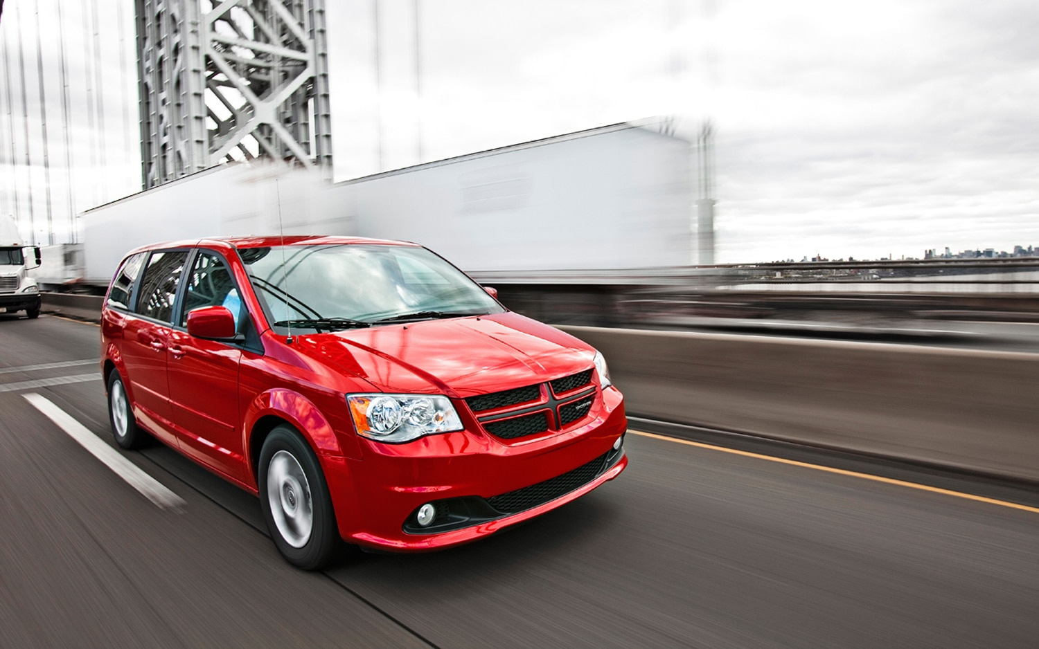 2012 Dodge Grand Caravan R T Front Right View1