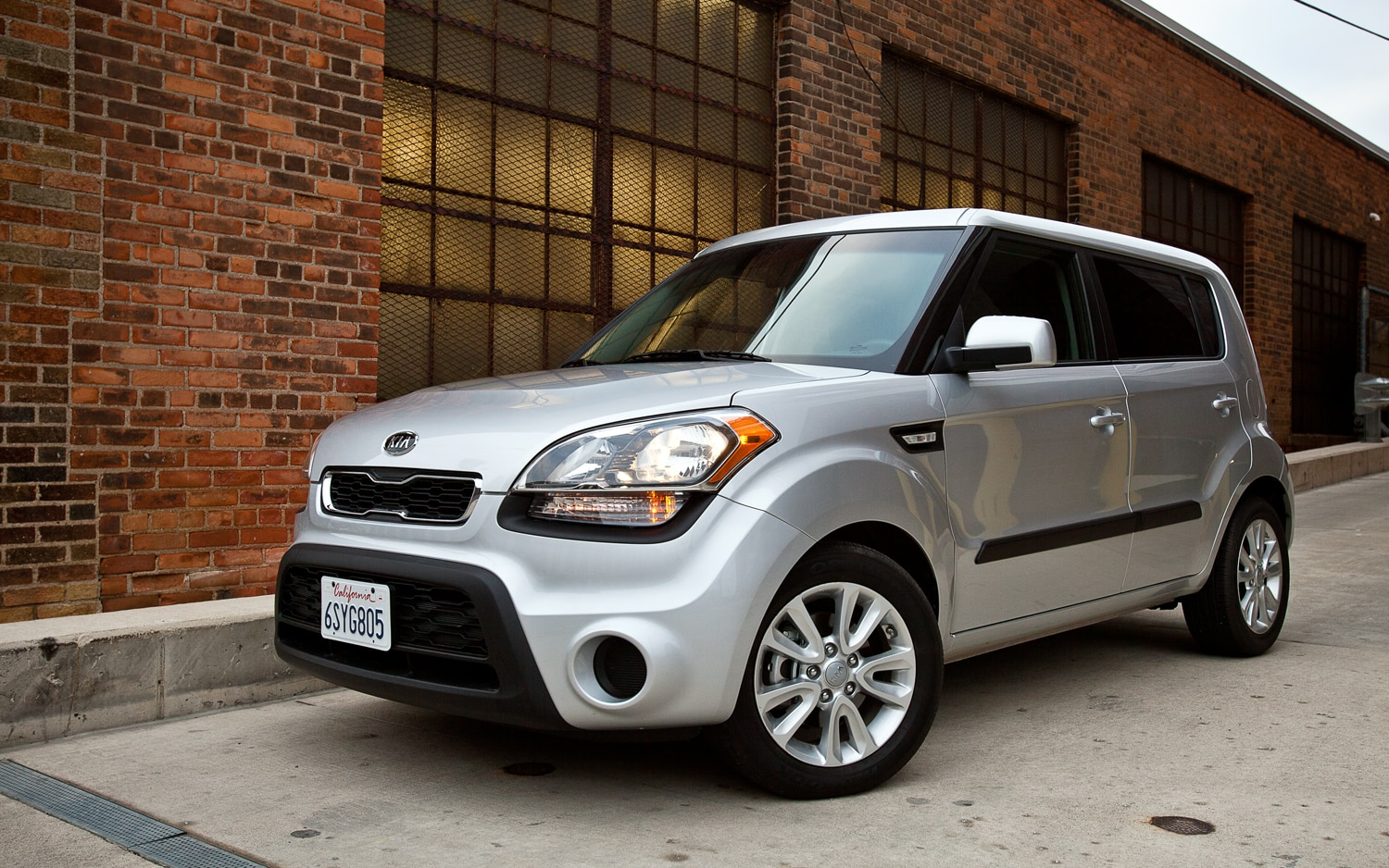 2012 Kia Soul Front Left View1