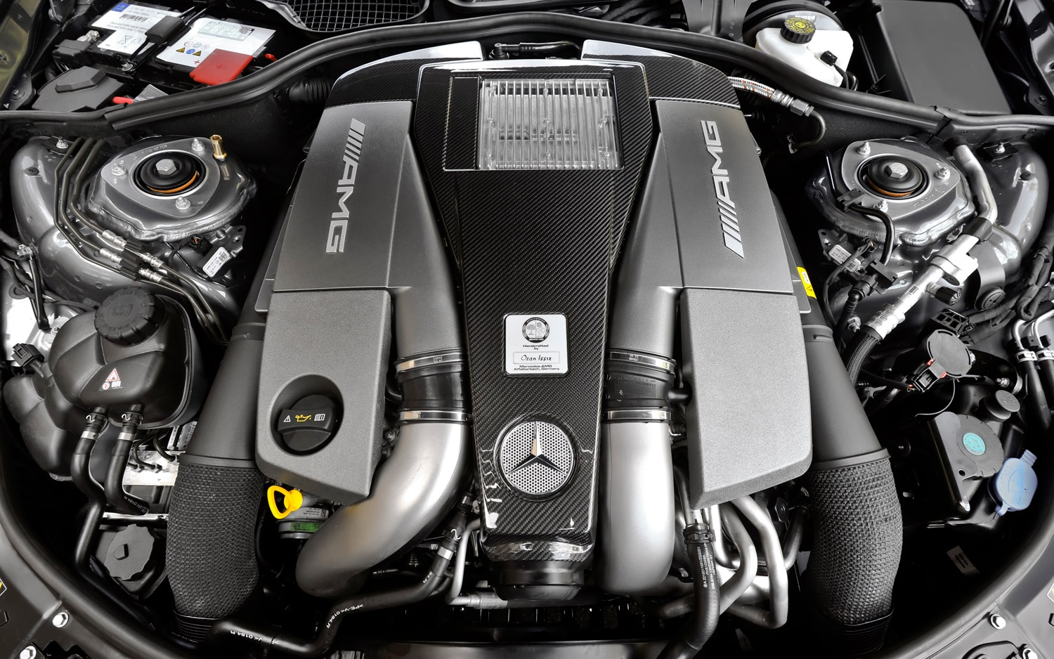 2012 mercedes benz s63 amg editors 39 notebook for Motor mercedes benz