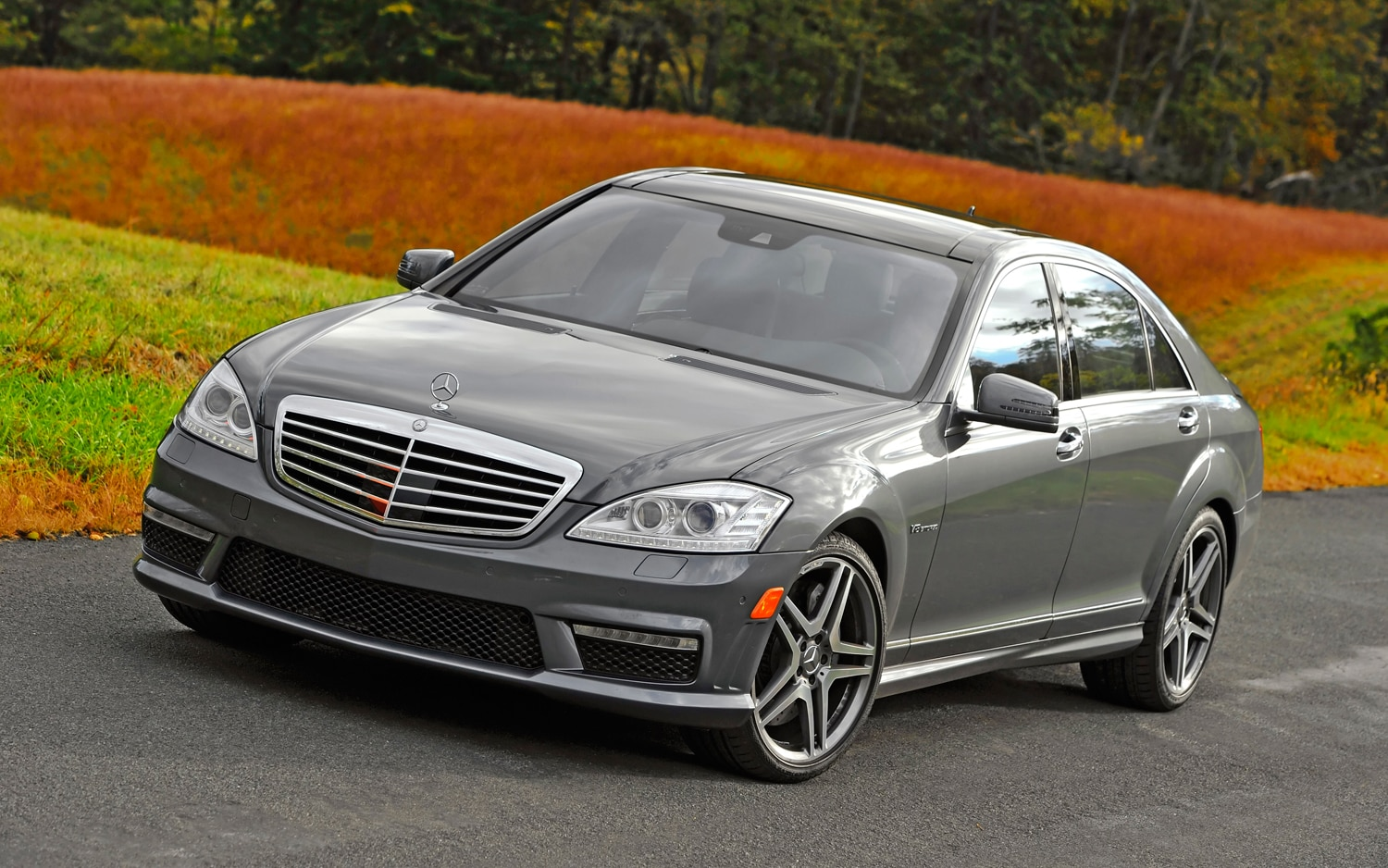 2012 Mercedes Benz S63 AMG Front Left View1