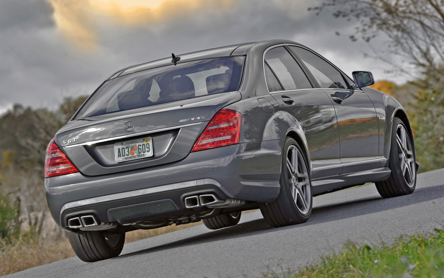2012 mercedes benz s63 amg editors 39 notebook automobile magazine. Black Bedroom Furniture Sets. Home Design Ideas