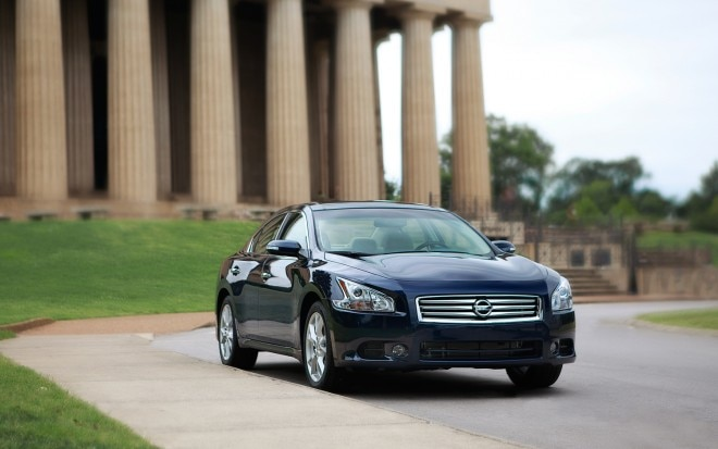 2012 Nissan Maxima Front Right View1 660x413