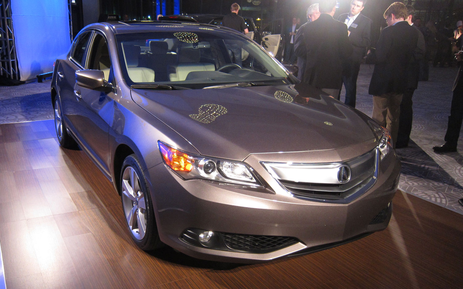 2013 Acura ILX Front View 21