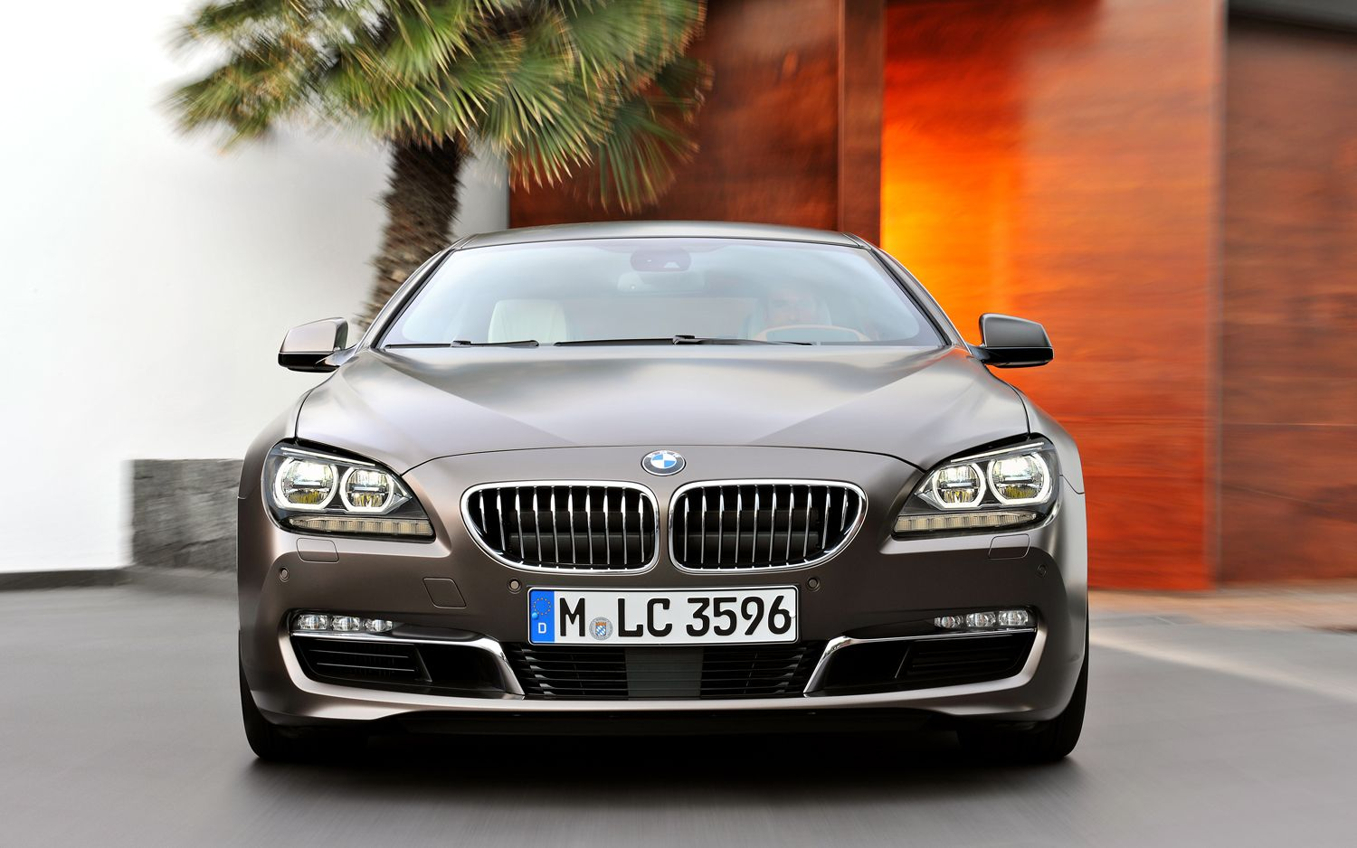 2013 BMW 6 Series Gran Coupe Front View Parked1