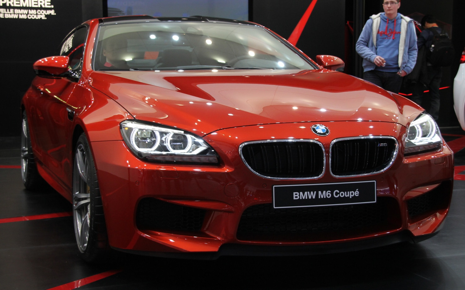 2013 BMW M6 Coupe Front View1