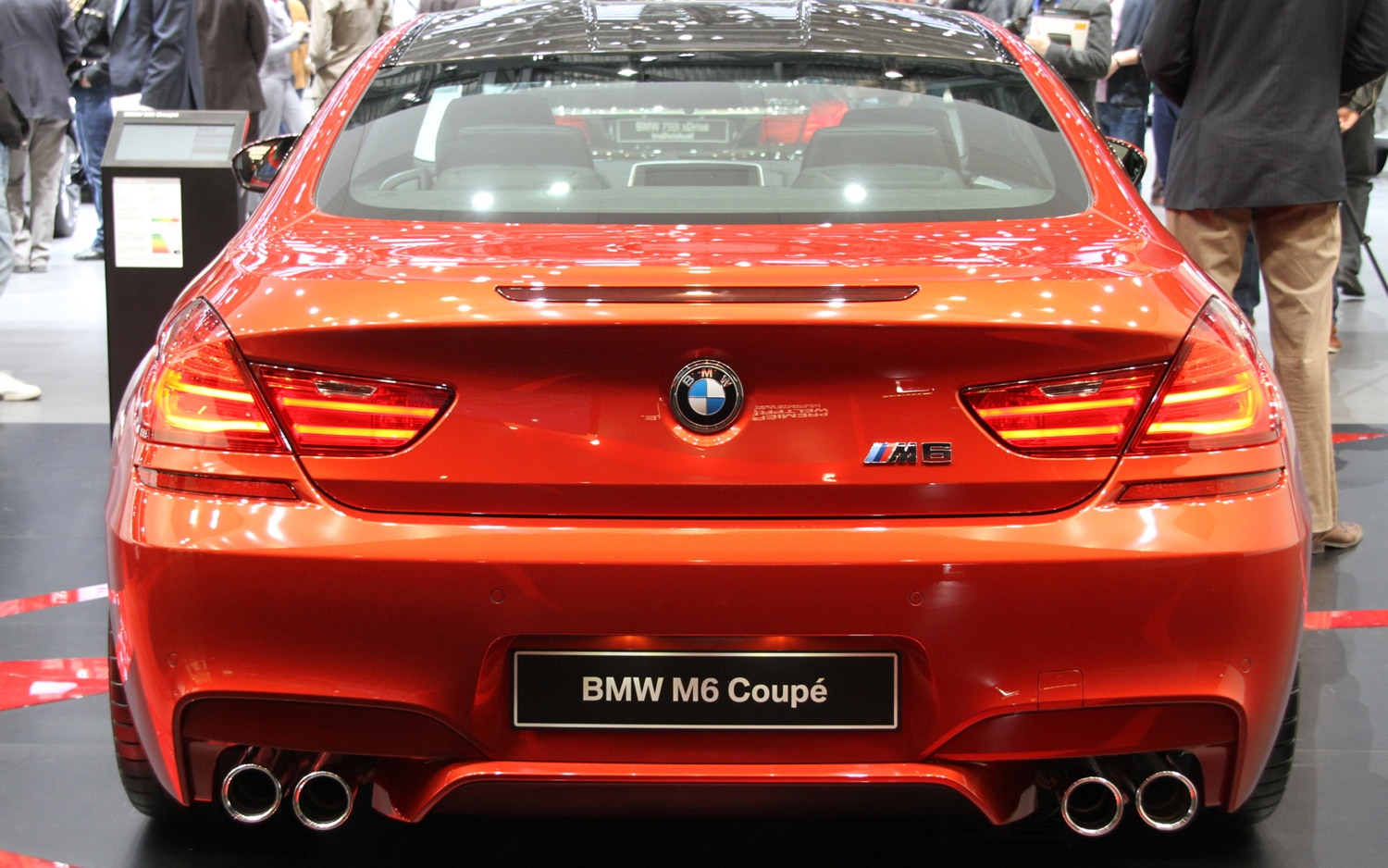 2012 bmw m6 convertible and 2013 bmw m6 coupe first look automobile magazine. Black Bedroom Furniture Sets. Home Design Ideas