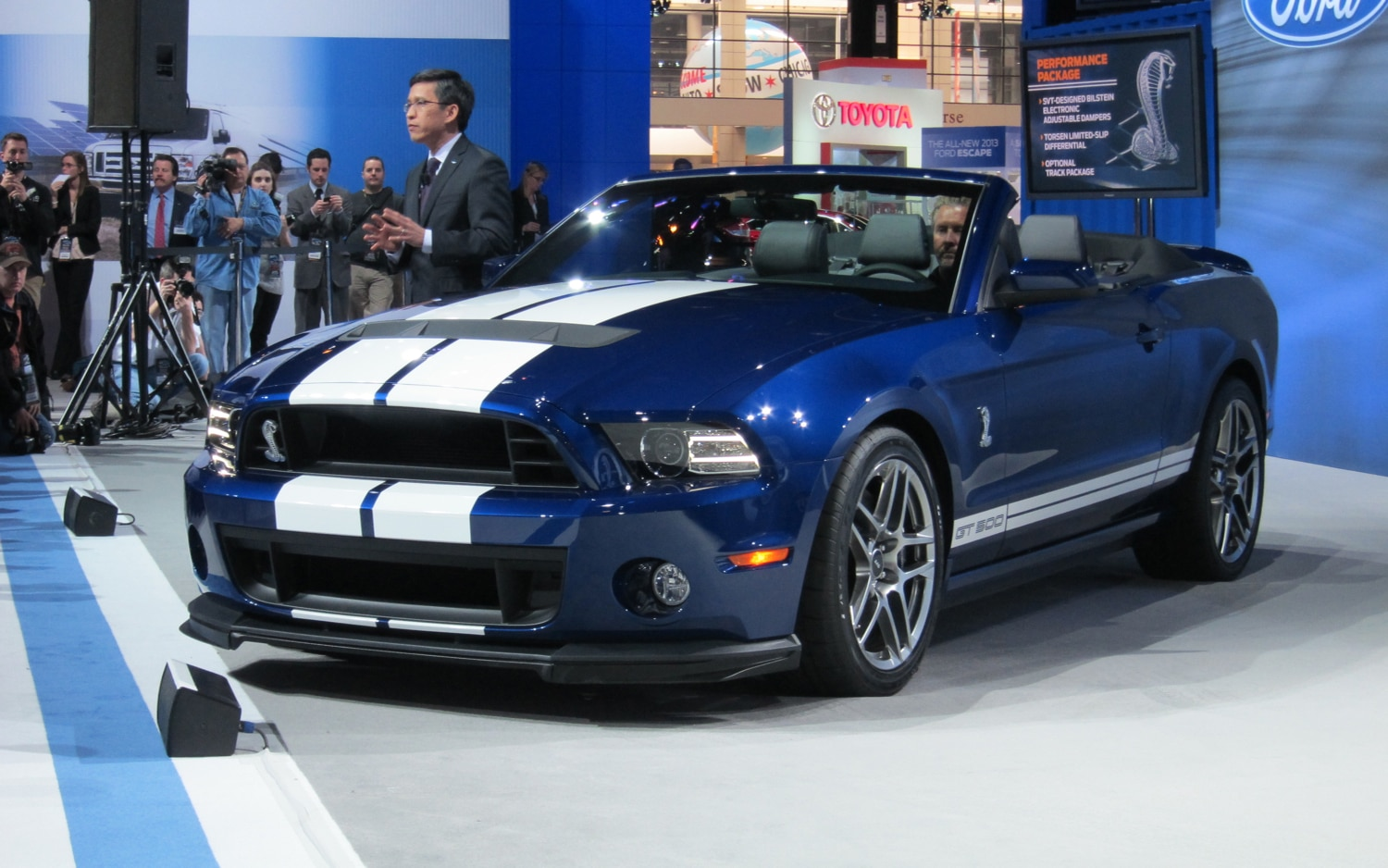 2013 Ford Shelby GT500 Convertible Front Three Quarter1
