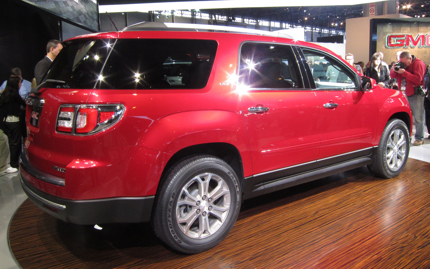 chicago 2012 facelifted 2013 gmc acadia and acadia denali. Black Bedroom Furniture Sets. Home Design Ideas