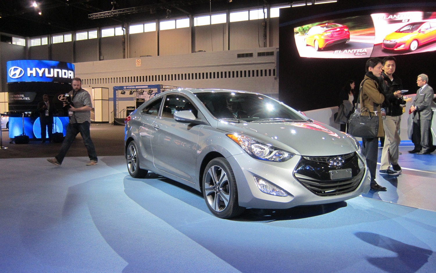 2013 Hyundai Elantra Coupe Front Three Quarter1