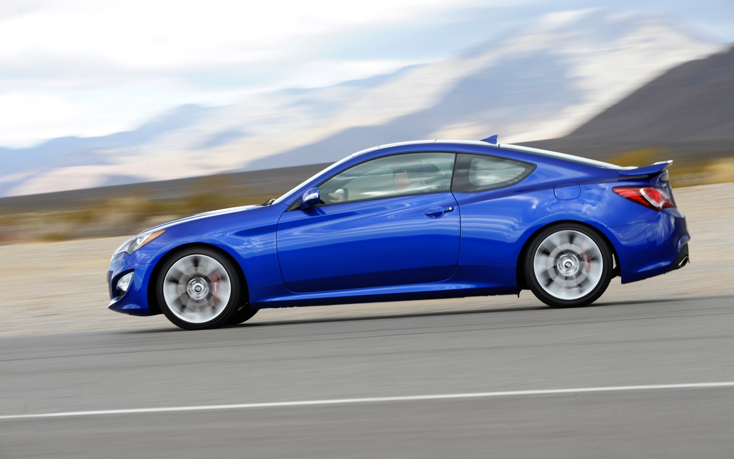 2013 Hyundai Genesis Coupe Left Side1