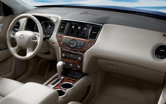 2013 Nissan Pathfinder Interior Front Dark1 660x413