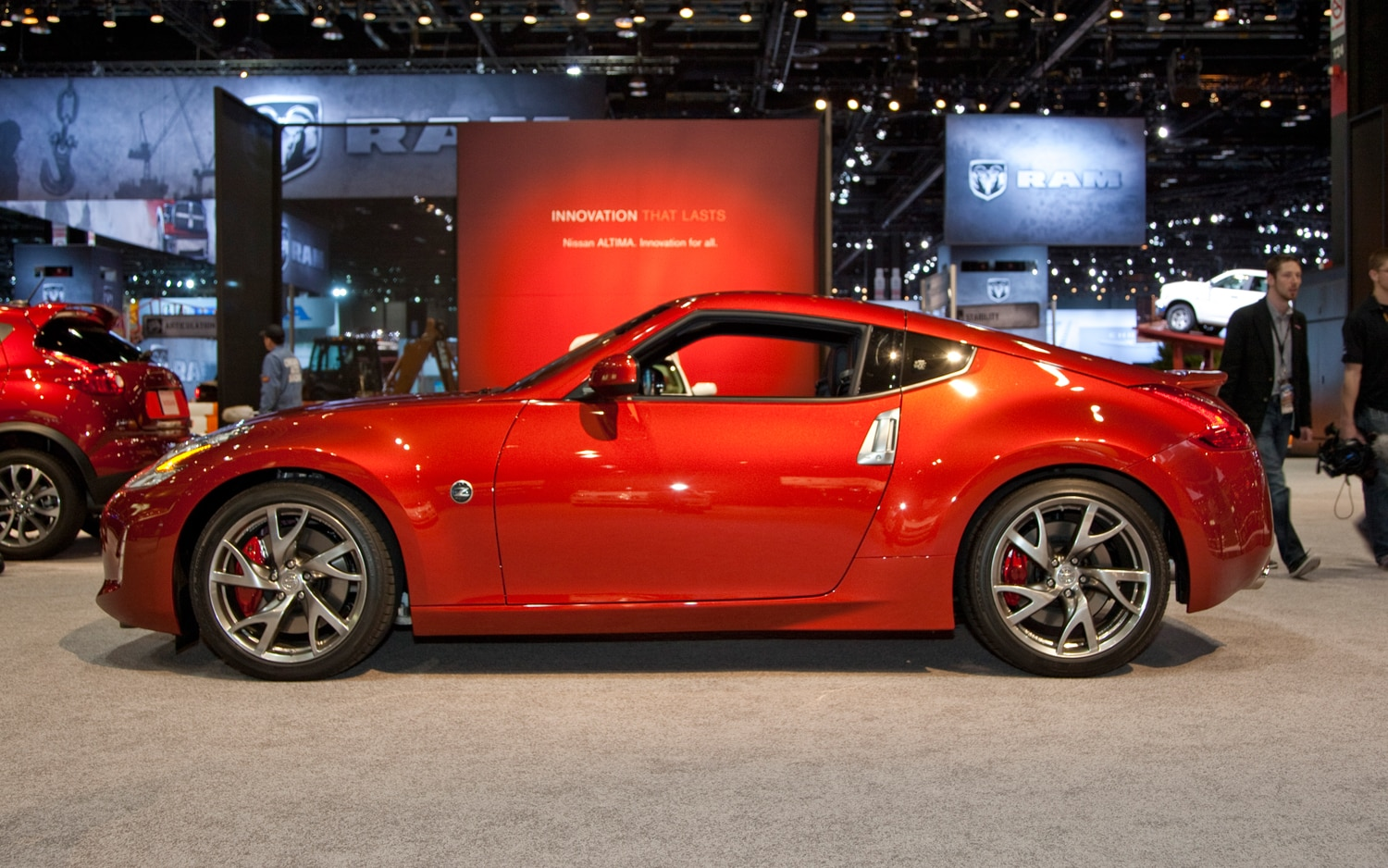 2013 Nissan 370Z Left Side View1