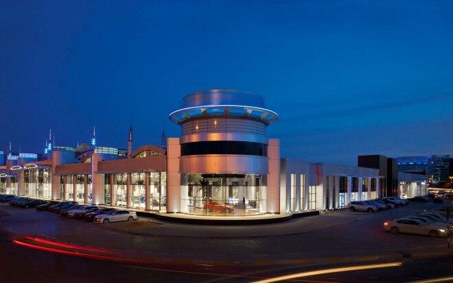 BMW Abu Dhabi Motors Overview Night1 660x413