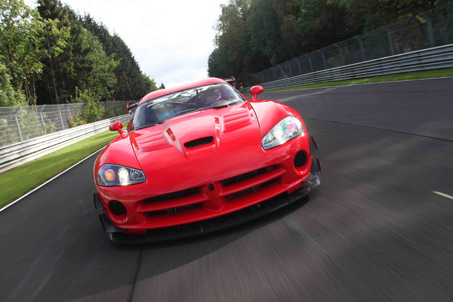 Dodge Viper ACR X Front Motion1