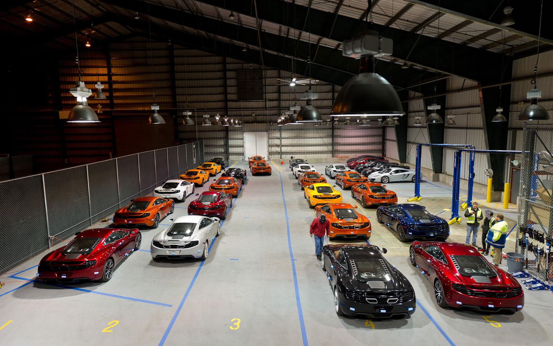 Mclaren celebrates mp4 12c 39 s american arrival with new video for Garage automobile paris 12