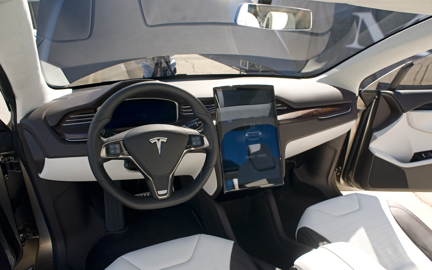 Tesla model x prototype crossover revealed with falcon for Tesla model x interieur