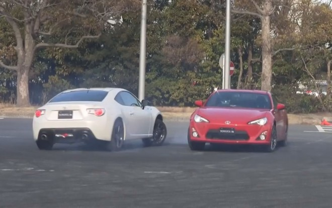 Two Toyota FT86s Drifting 41 660x413