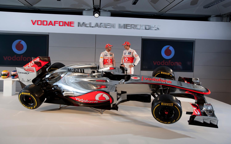 Vodafone McLaren Mercedes MP4 27 Profile1